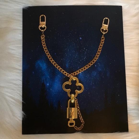 Louis Vuitton Accessories - LOUIS VUITTON Brass Padlock & Key (#316) Bag Chain